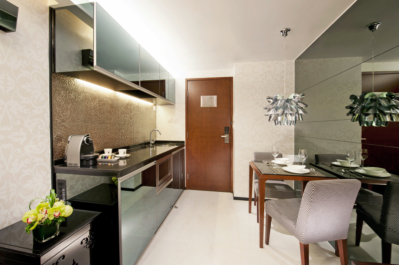 City Classic Kitchen Lounge property home Suite condominium cottage Modern