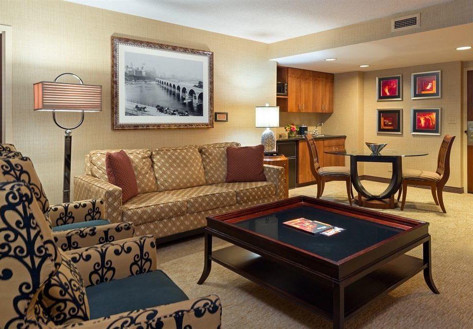 City Classic property recreation room living room Suite condominium