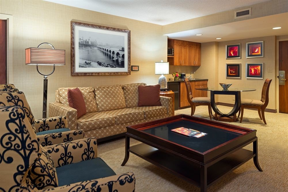 City Classic property recreation room living room Suite condominium