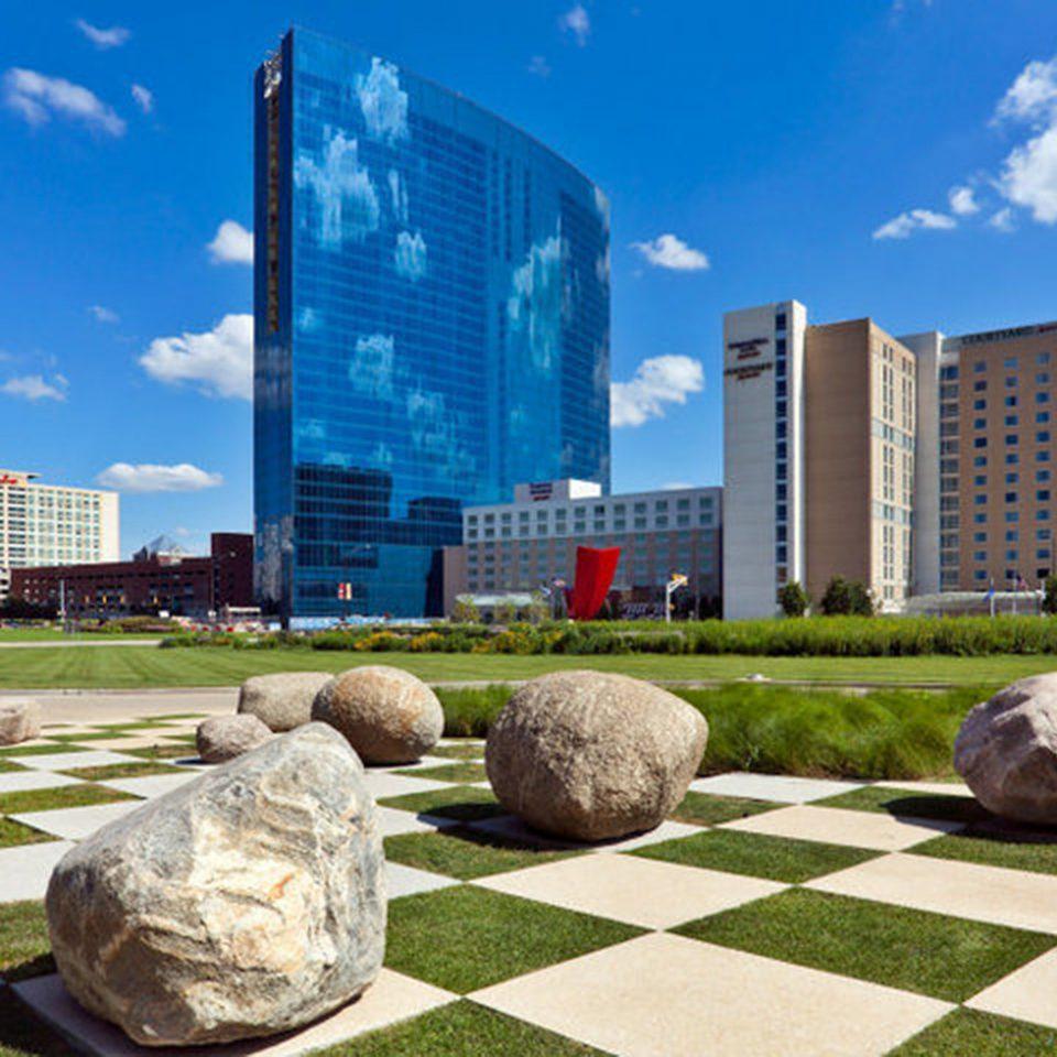 grass sky City property landmark condominium residential area plaza home skyline stone