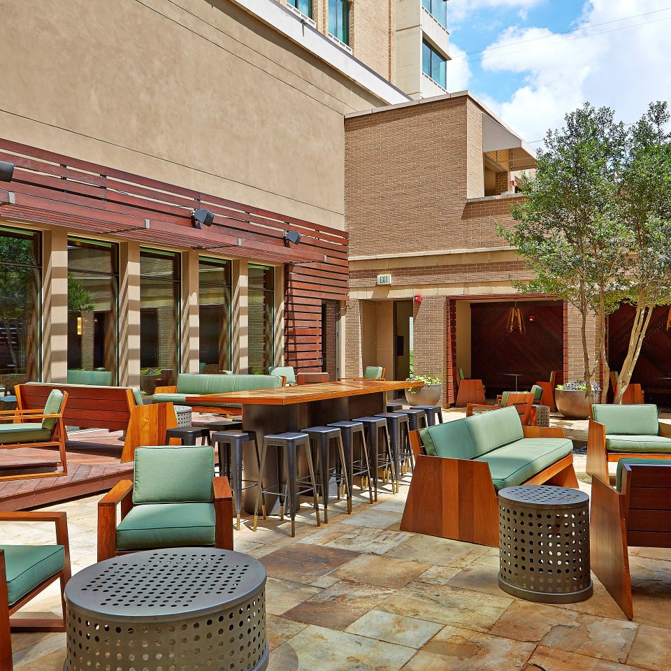 City Deck Lounge Patio chair property building restaurant Resort Lobby condominium Courtyard Dining