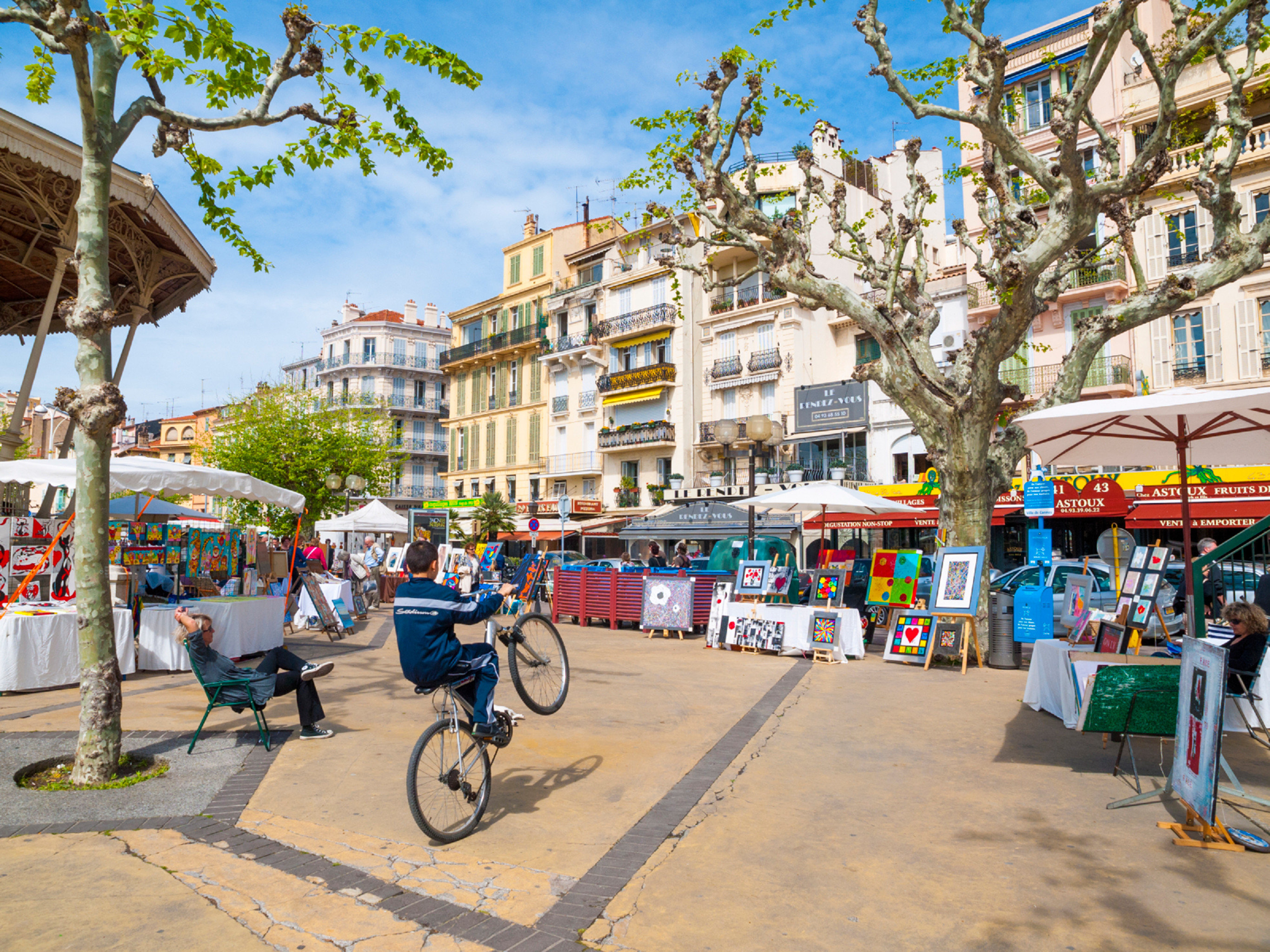 City Cultural Outdoors tree Town road neighbourhood public space street walkway plaza vehicle infrastructure Downtown boardwalk town square