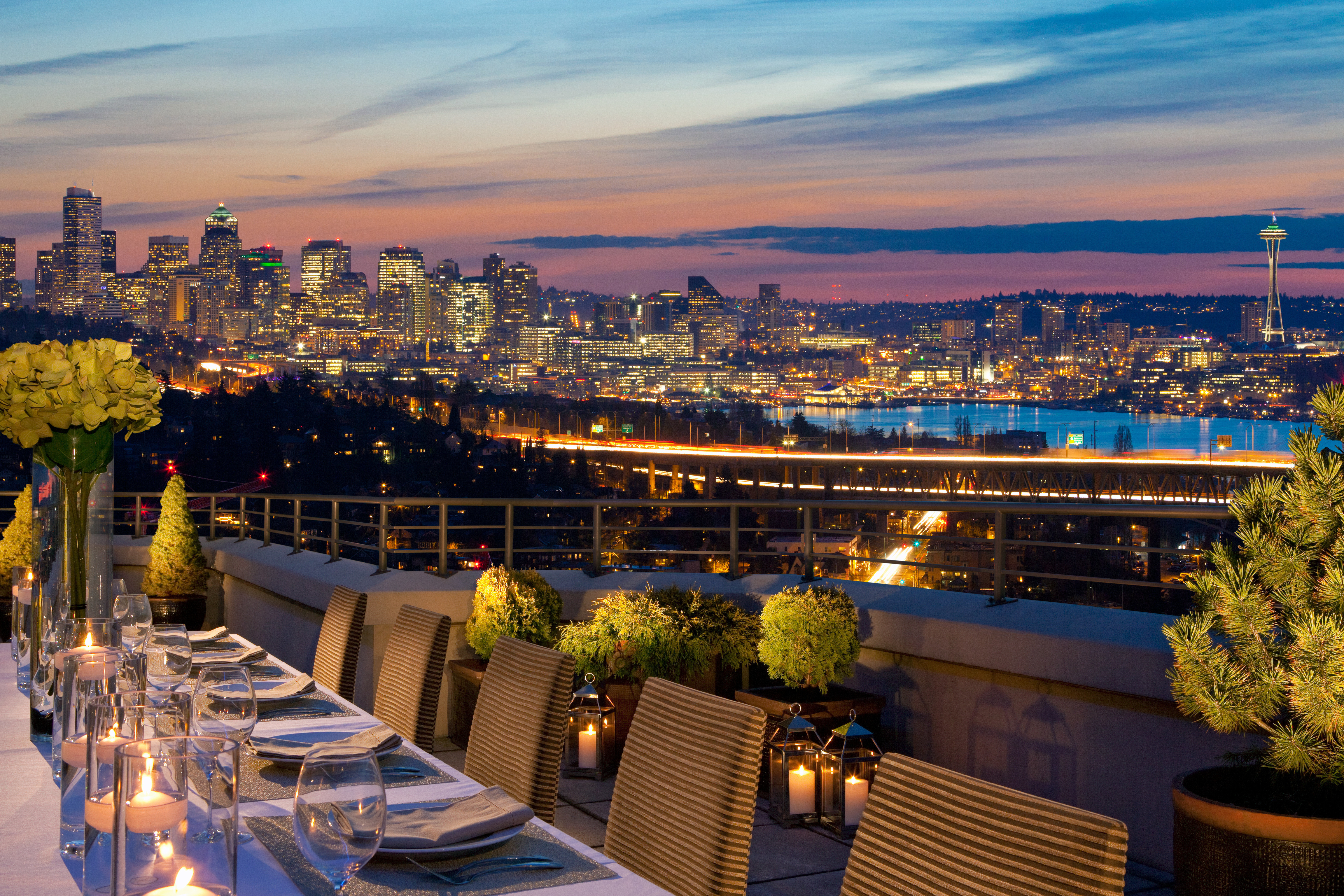City Dining Drink Eat Historic Lounge Modern Rooftop Scenic views sky overlooking cityscape evening skyline Downtown dusk