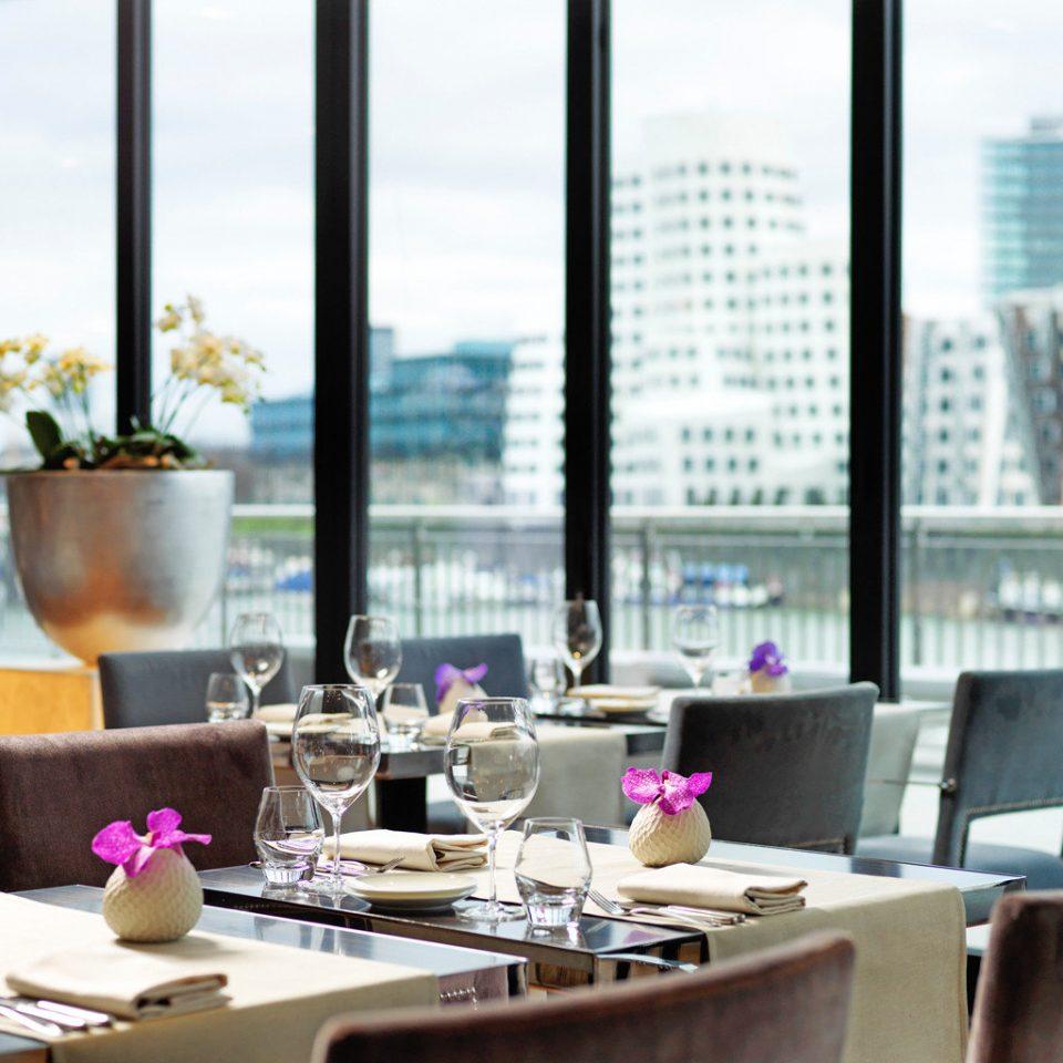 City Dining Drink Eat Modern restaurant condominium brunch dining table