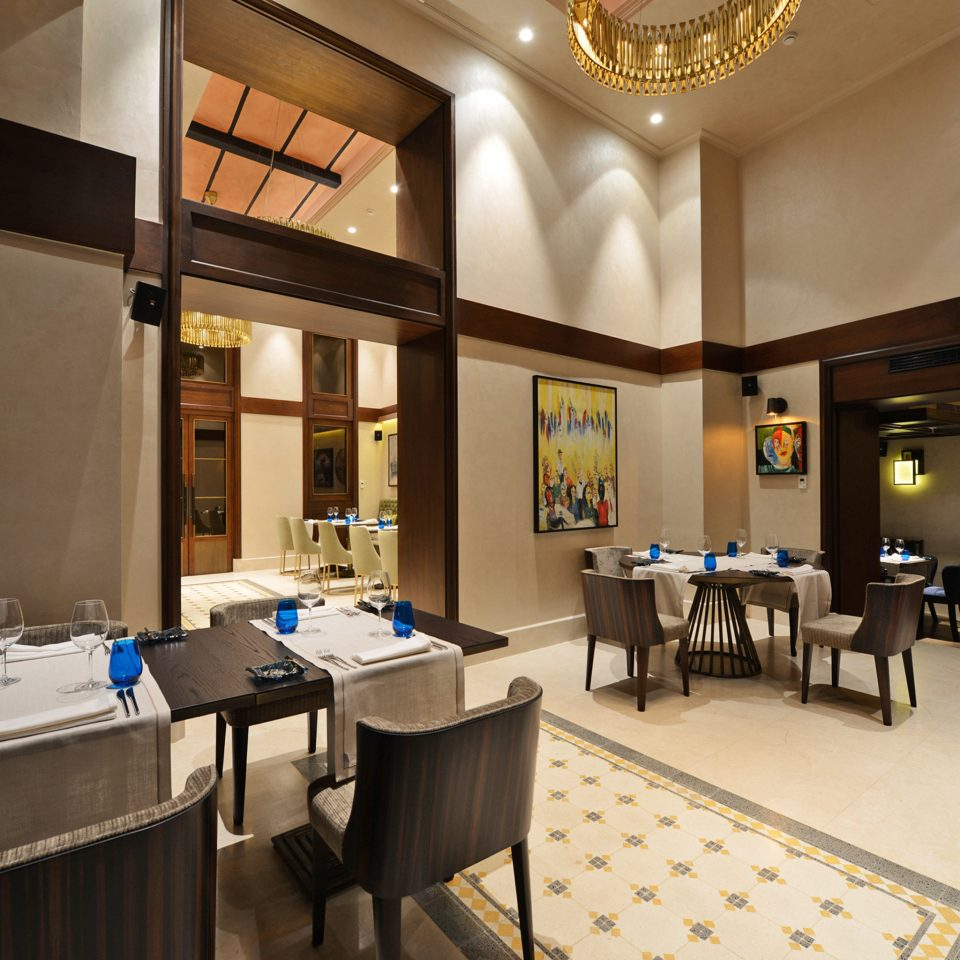 City Dining Eat Elegant Historic property restaurant Lobby function hall Suite