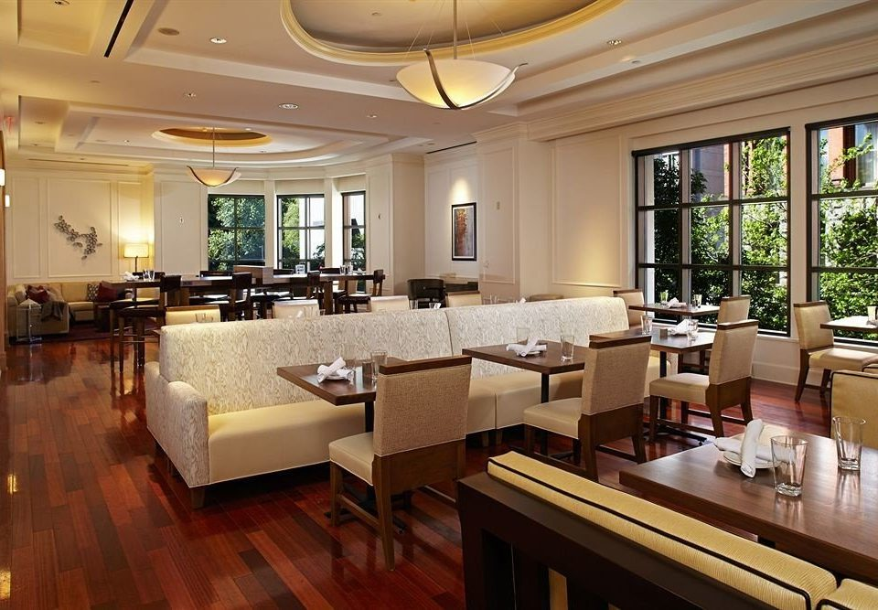 City Dining Family property restaurant Lobby living room Resort condominium Suite Modern
