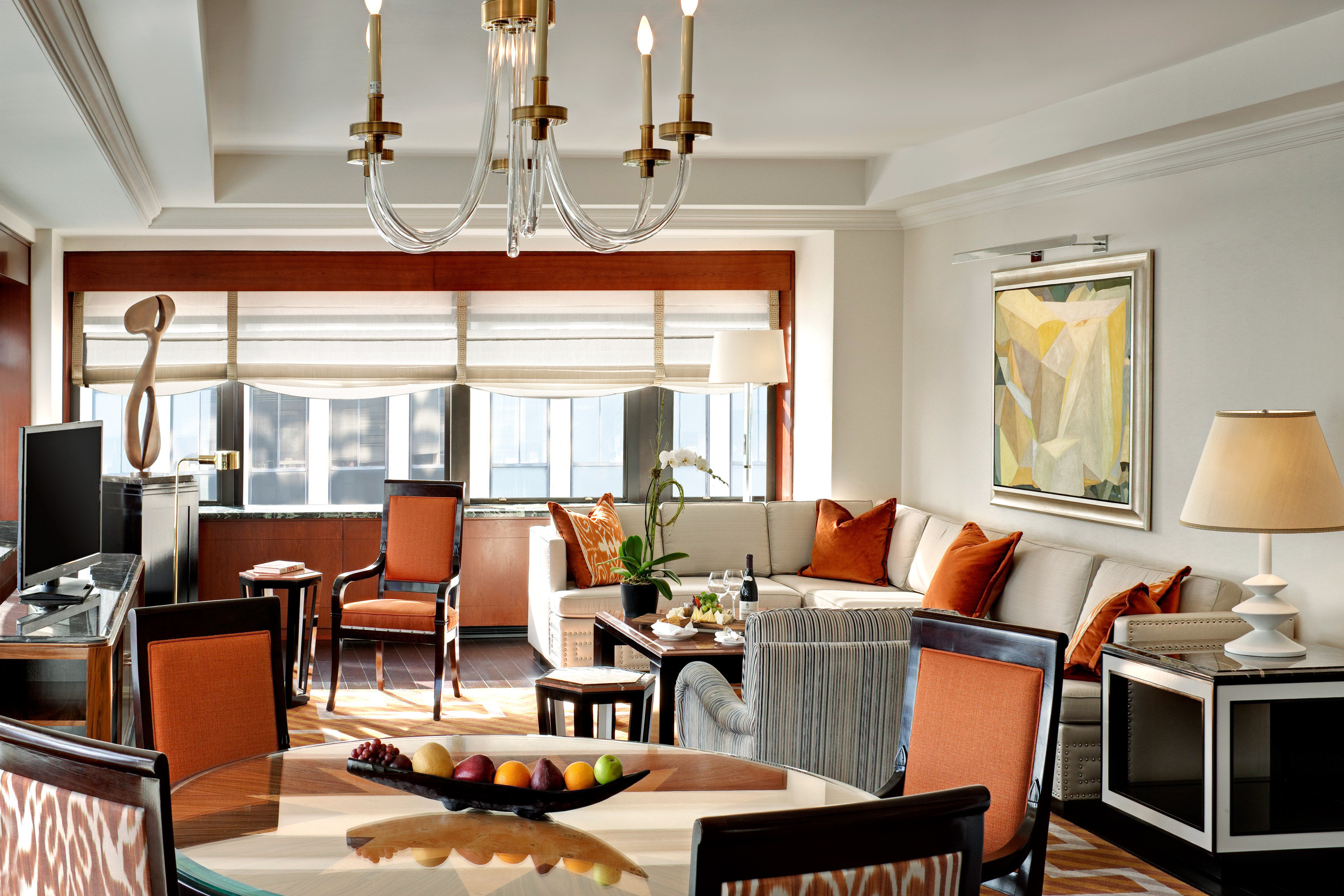 City Historic Modern Suite living room chair property home Dining condominium cottage leather