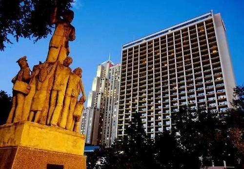 sky tree landmark skyscraper metropolis City plaza Downtown skyline tower