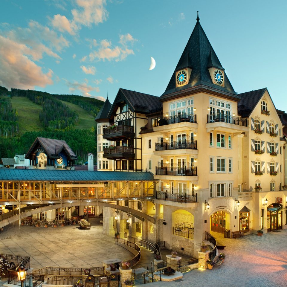 Exterior Mountains Nature Outdoor Activities Outdoors Resort Scenic views Ski building Town landmark plaza City cityscape town square evening palace château