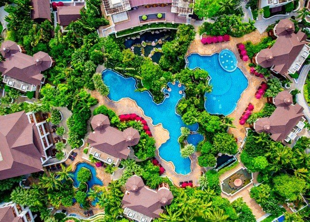 plant residential area ecosystem City neighbourhood suburb urban design mansion bird's eye view Resort Garden Jungle screenshot biome aerial photography