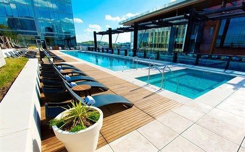 City Hot tub Pool swimming pool leisure property condominium Resort leisure centre Villa blue