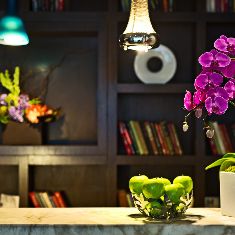 City Lounge Modern color flower green yellow shelf floristry flower arranging lighting spring floral design Party centrepiece restaurant