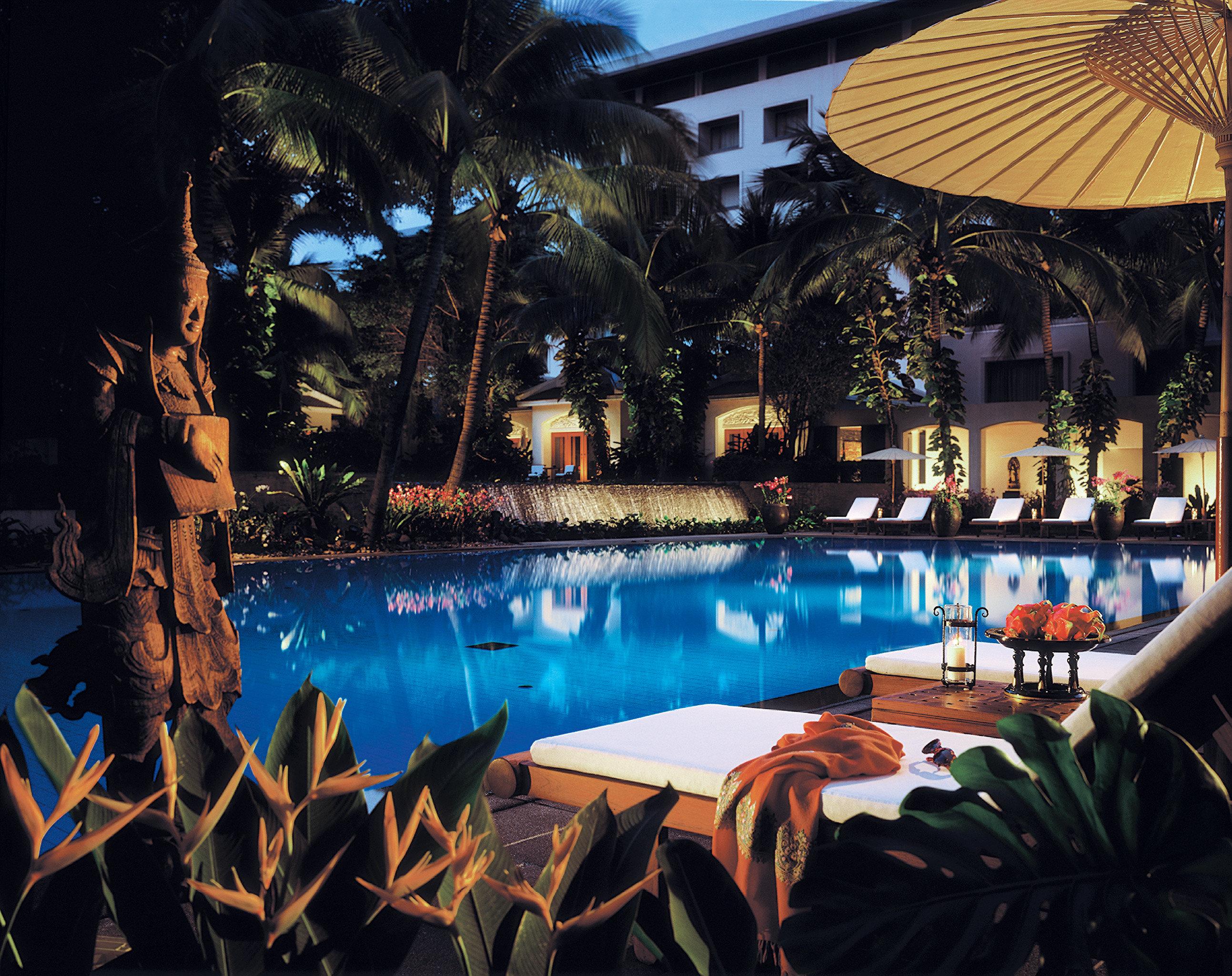City Patio Pool umbrella Resort swimming pool