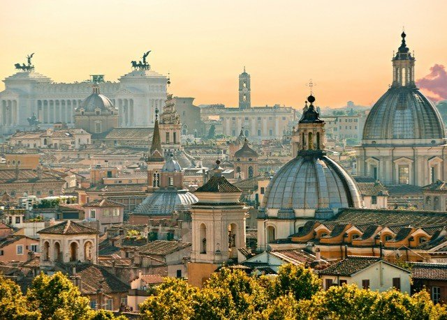 landmark City sky cityscape Town metropolis metropolitan area tourist attraction historic site dome basilica spire morning skyline château old medieval architecture byzantine architecture ancient rome building cathedral tours tree palace evening plaza unesco world heritage site stately home steeple tower
