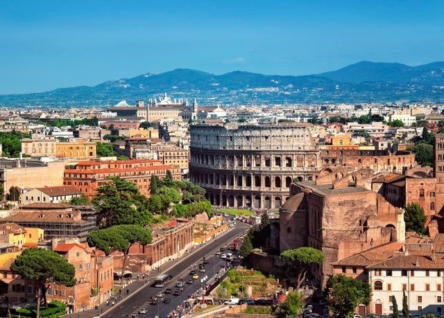 mountain building Town historic site City landmark photography cityscape panorama unesco world heritage site ancient rome plaza