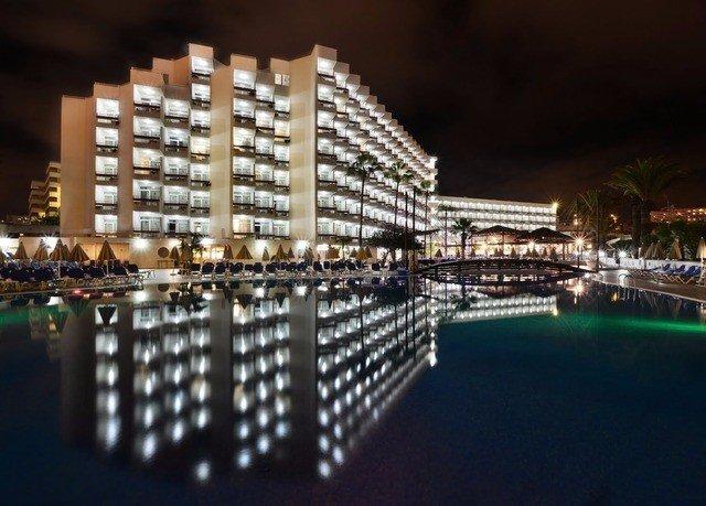 night landmark cityscape condominium skyscraper metropolis marina skyline