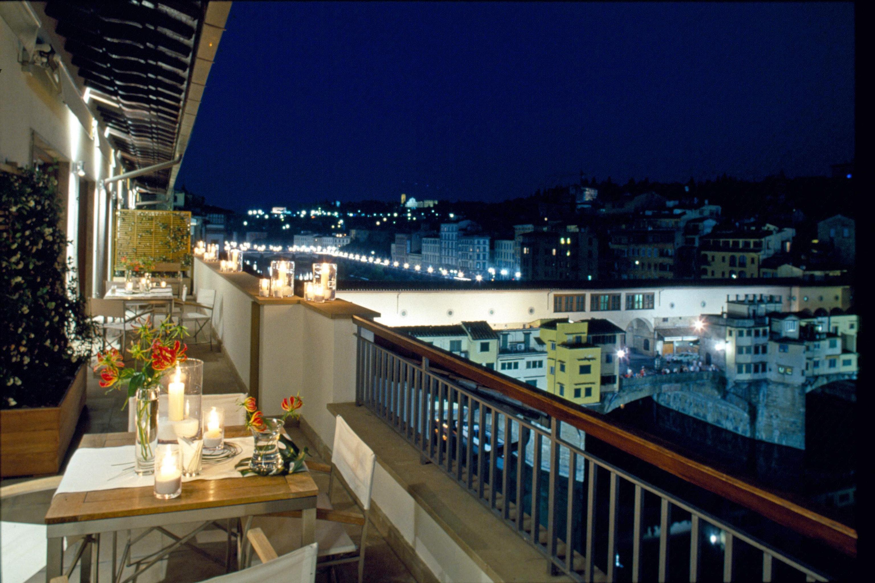 night cityscape restaurant