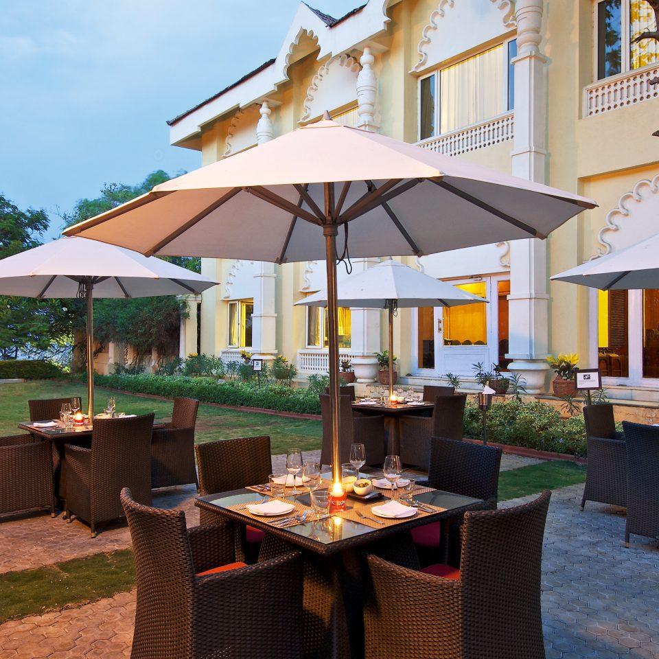 Classic Courtyard Dining Drink Eat Lounge Terrace umbrella chair Resort restaurant Villa cottage cuisine set