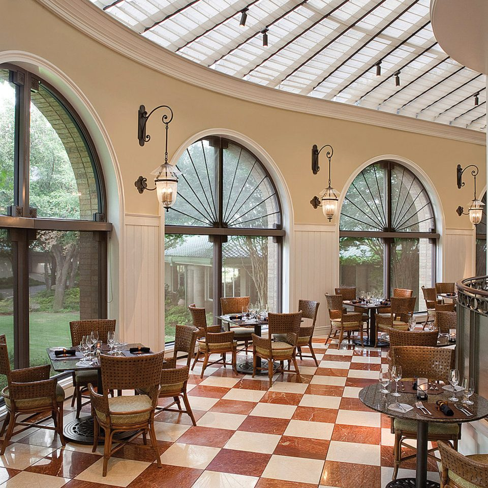 Classic Dining Drink Eat Lounge Resort property restaurant Lobby orangery Courtyard home hacienda palace Villa arch