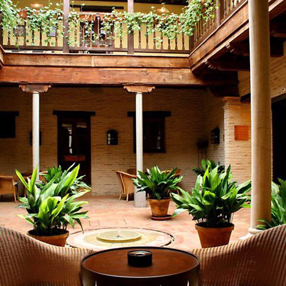 Classic Lounge Luxury Rustic property plant house home porch Courtyard living room Resort Villa backyard cottage outdoor structure hacienda restaurant