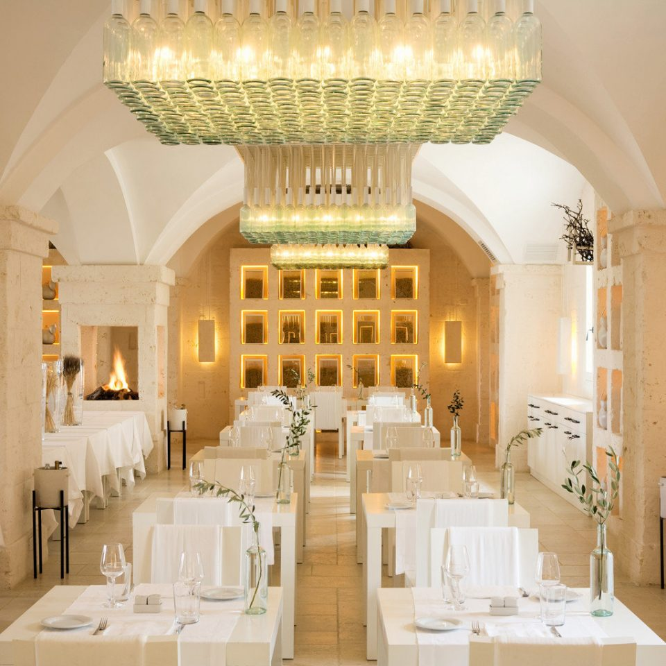 Classic Cultural Dining Drink Eat Elegant Romance Romantic Wine-Tasting property function hall palace mansion ballroom Lobby living room