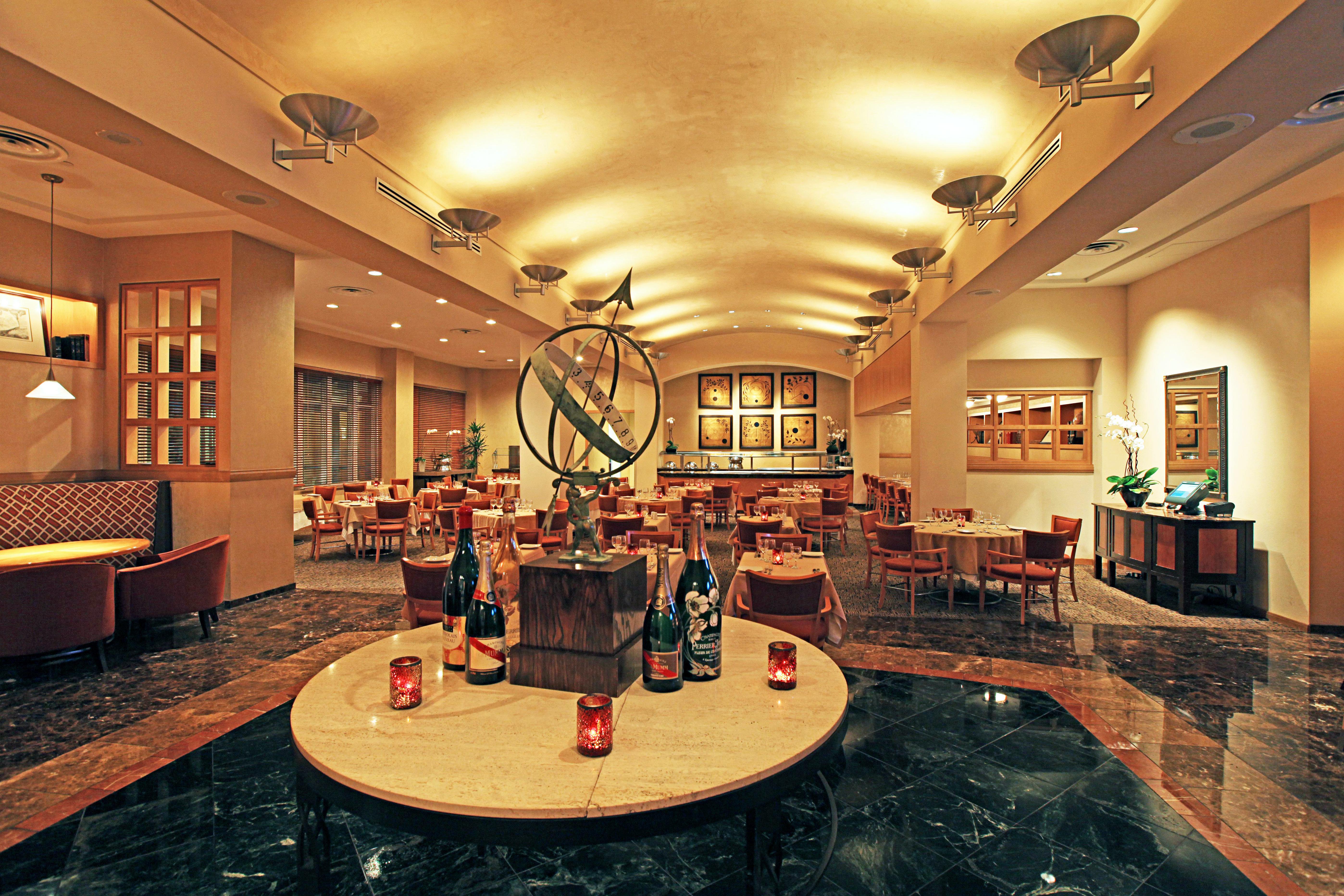 Classic Dining Drink Eat Resort Lobby building recreation room function hall mansion ballroom Island