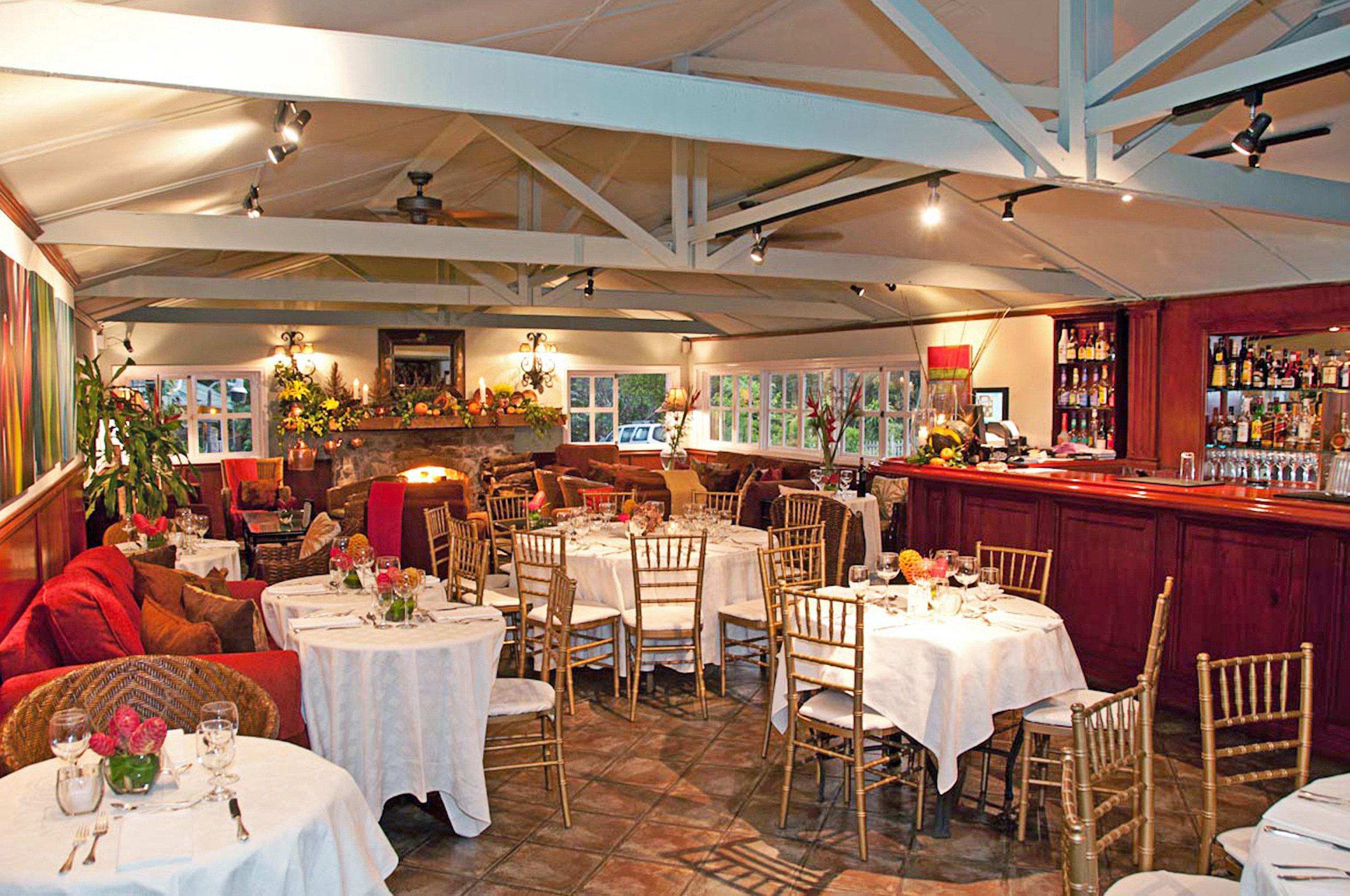 Classic Dining Drink Eat Inn chair function hall restaurant banquet wedding reception ballroom Resort