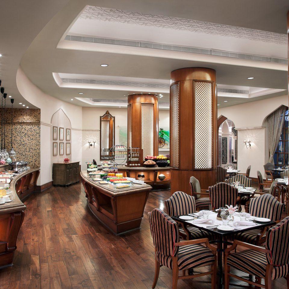 Classic Dining Drink Eat Elegant Luxury chair property home living room Kitchen hardwood Suite mansion cottage set