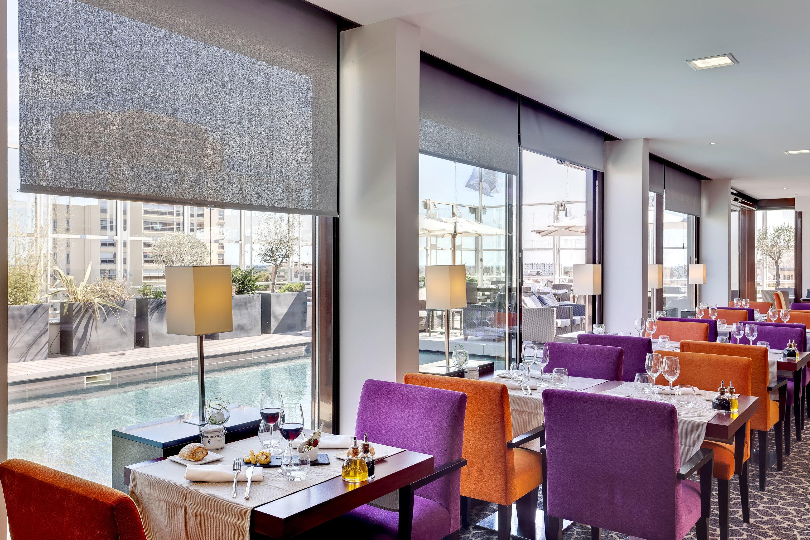 Classic Dining Drink Eat Resort chair property living room condominium restaurant