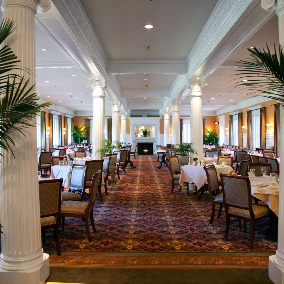 Classic Dining Eat Historic Lobby Resort restaurant function hall aisle home convention center palace ballroom mansion plant lined