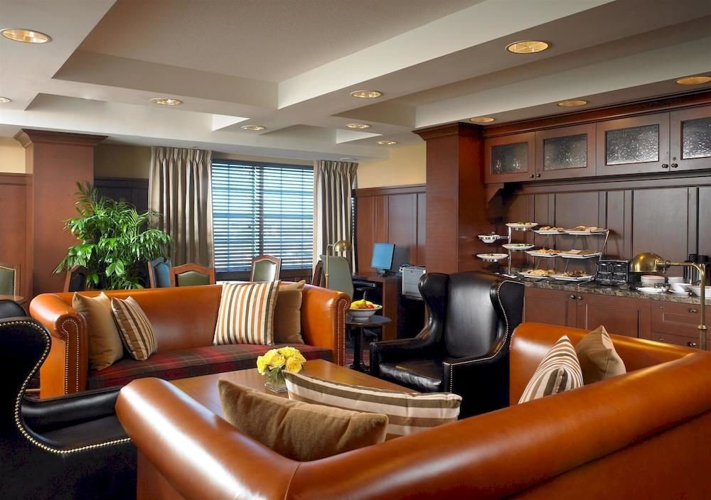 Classic Dining Family Lounge sofa property leather chair living room condominium home Lobby Suite yacht vehicle Modern