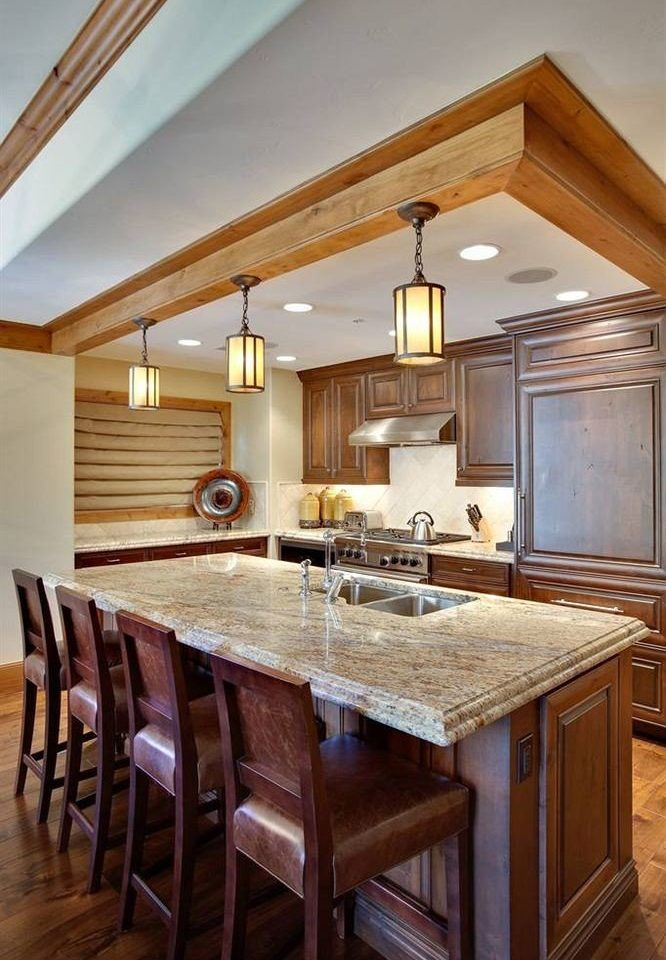 Classic Drink Eat Kitchen wooden property countertop cabinetry home hardwood counter cuisine classique farmhouse cottage material Island