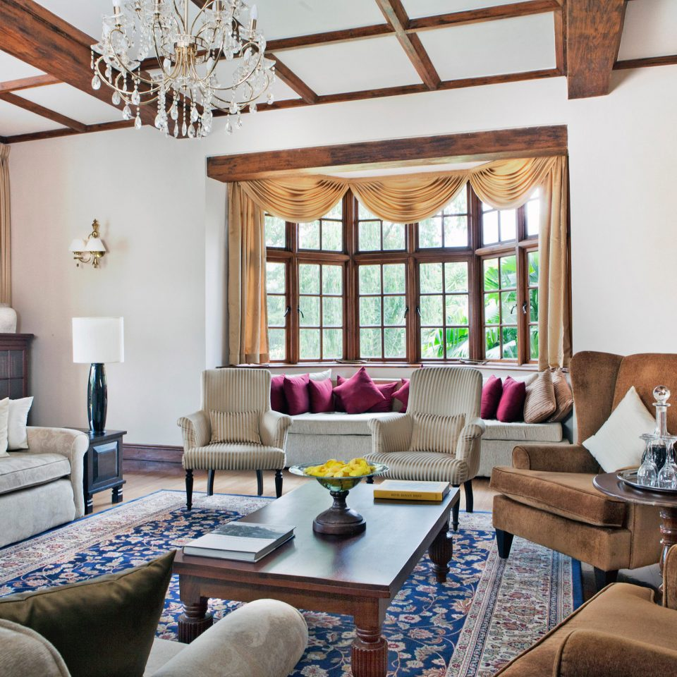 Classic Elegant Food + Drink Luxury sofa living room property home cottage Villa farmhouse Suite