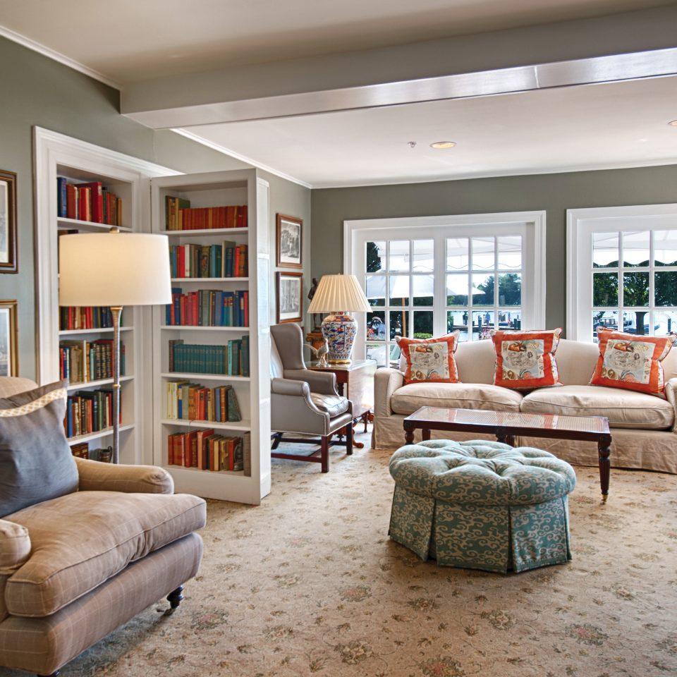 Classic Elegant Historic Hotels Inn Lounge sofa living room property home hardwood condominium