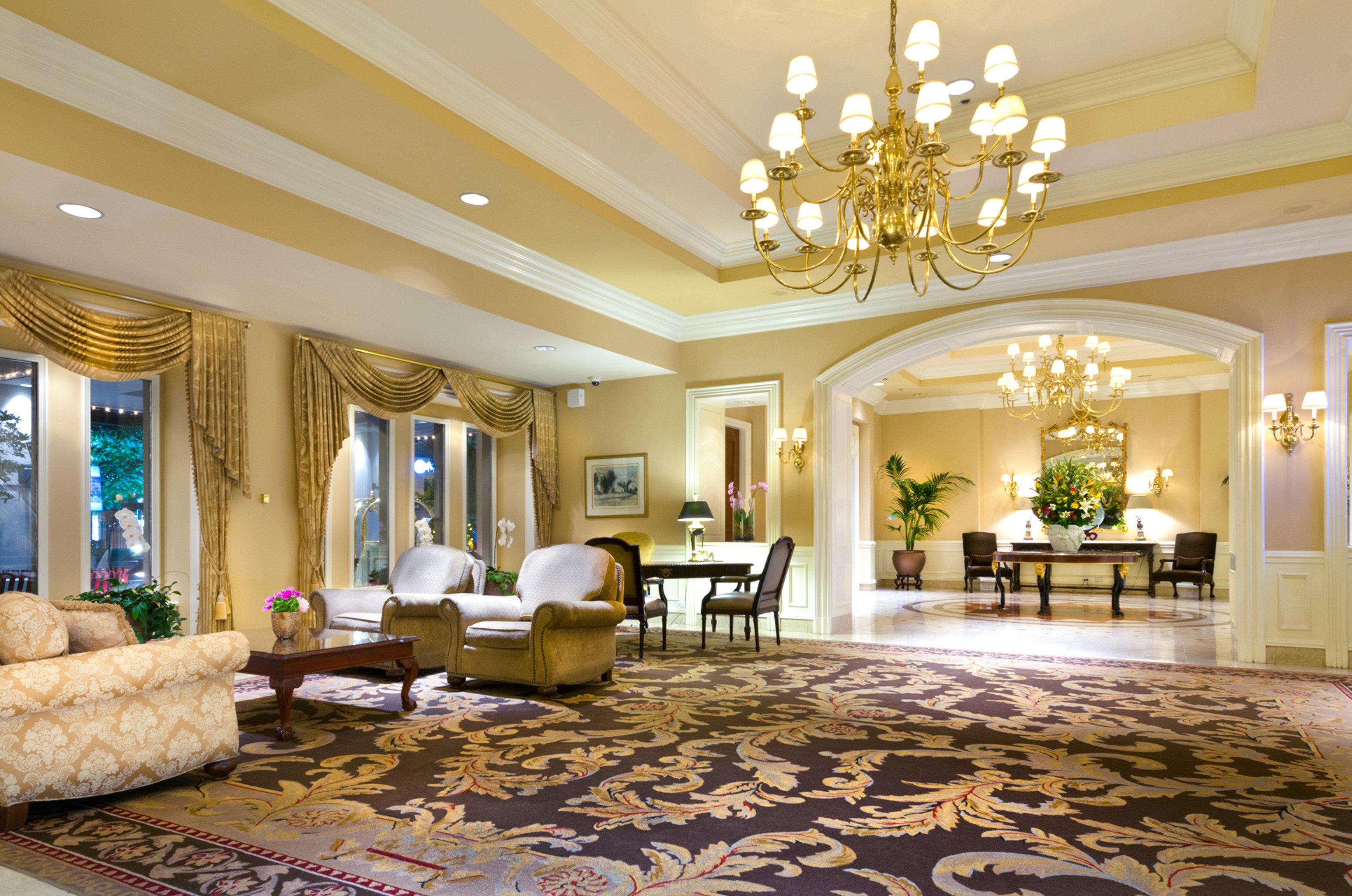 Classic Elegant Lobby Lounge Luxury living room property home mansion Suite condominium palace Villa fancy