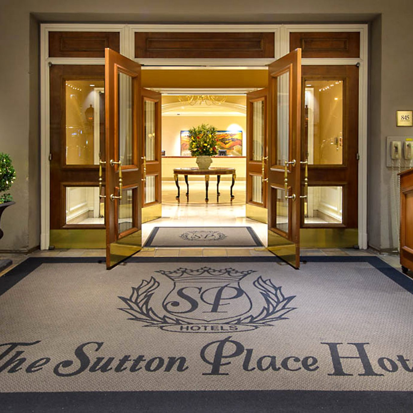 Classic Elegant Lobby Luxury home mansion living room flooring