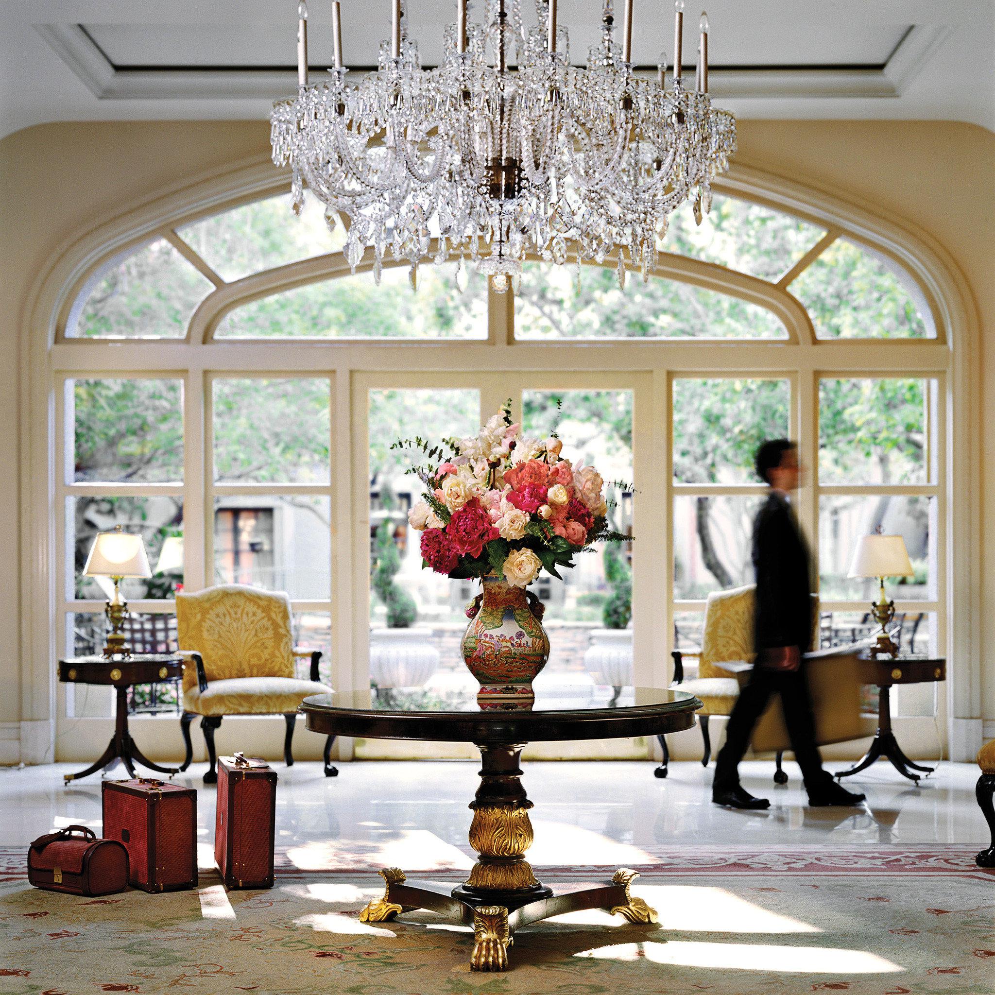 Classic Elegant Lobby Luxury living room home lighting dining table