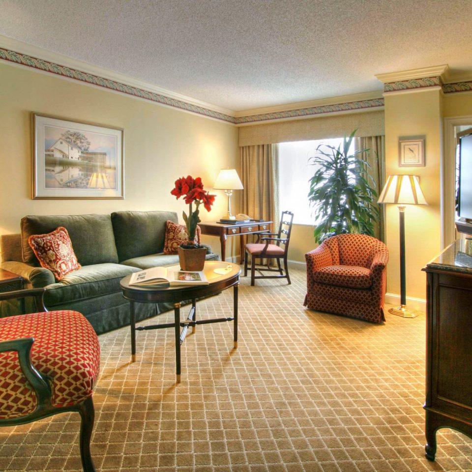 Classic Elegant Lounge property living room home Suite Villa condominium cottage