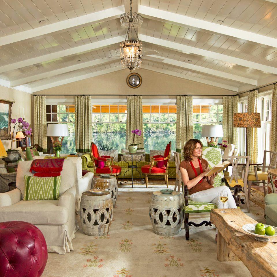 Classic Elegant Luxury Suite property home restaurant living room Resort cottage