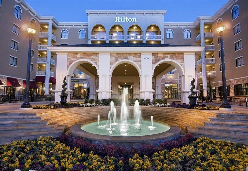 Classic Exterior plaza building landmark palace town square shopping mall colonnade stone