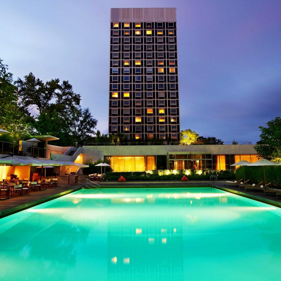 Classic Exterior Pool sky swimming pool leisure Resort condominium building reflecting pool
