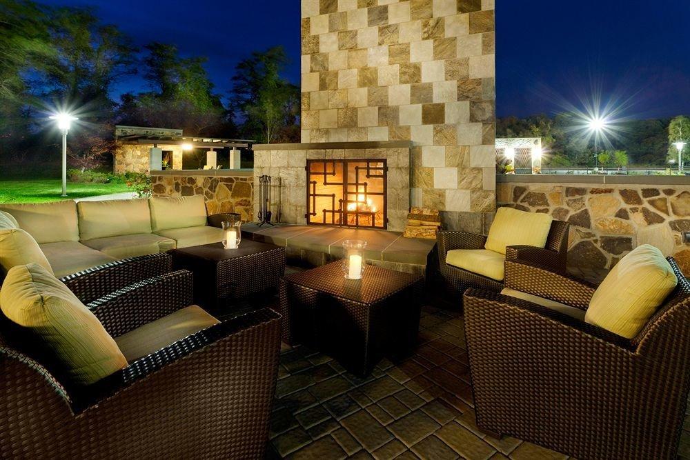 Classic Family Fireplace Lounge property living room condominium Villa home lighting Lobby backyard Resort mansion hacienda