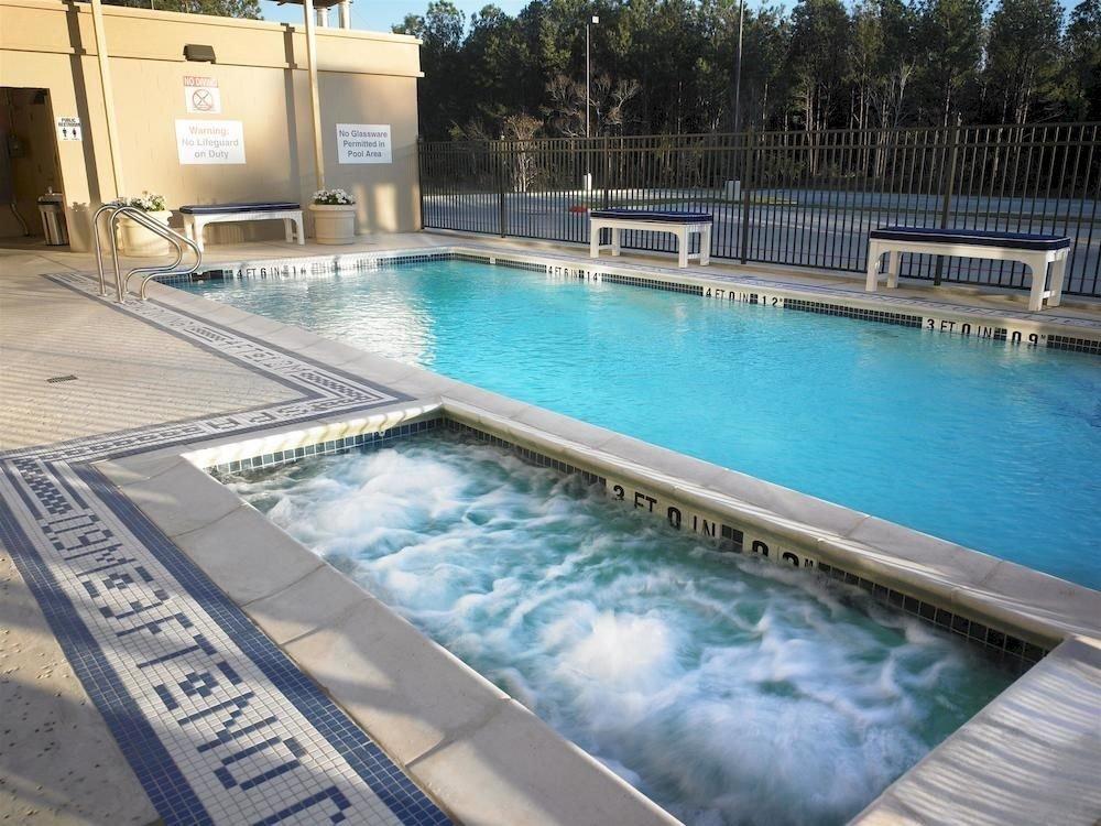 Classic Family Hot tub/Jacuzzi Pool swimming pool leisure property reflecting pool backyard condominium Villa Resort