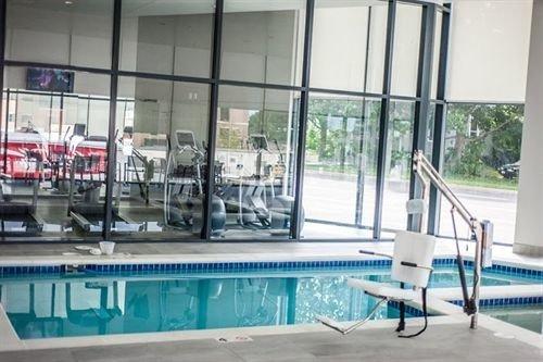 Classic Family Pool swimming pool condominium