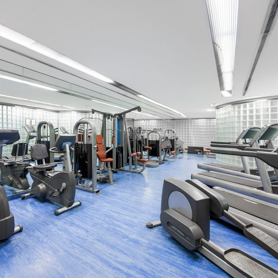 Classic Fitness Sport Wellness structure gym sport venue public transport