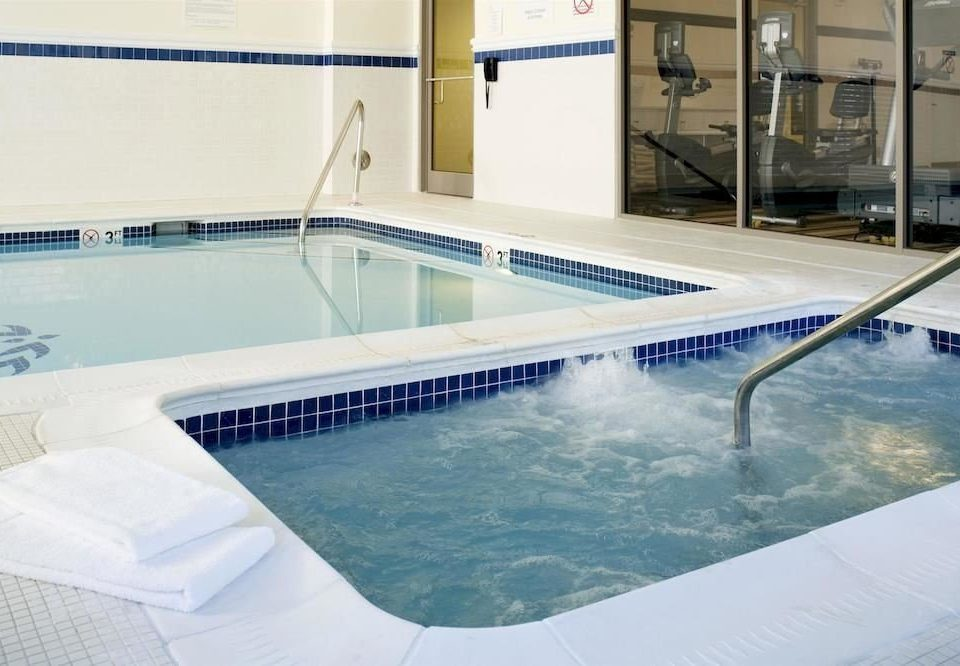 Classic Hot tub/Jacuzzi Pool swimming pool property leisure jacuzzi leisure centre swimming
