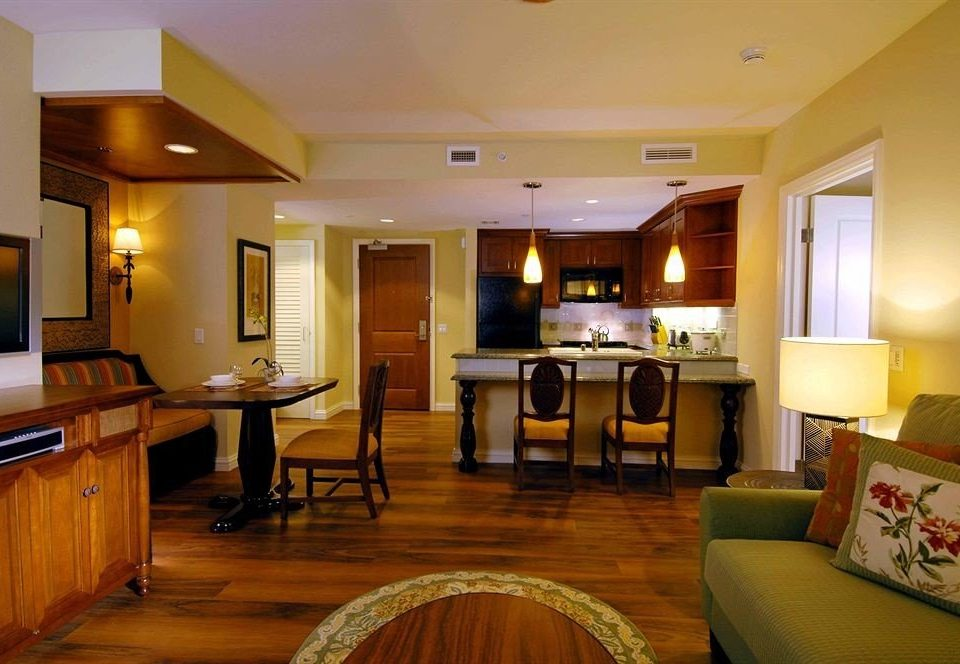 Classic Kitchen Resort property living room Suite home hardwood condominium recreation room cottage Villa flat