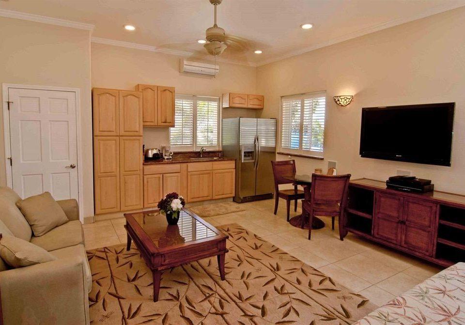 Classic Kitchen Resort sofa property living room Suite cottage home hardwood condominium Villa leather