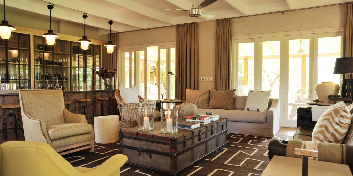 Classic Lodge Modern living room property chair condominium Lobby home Suite mansion Villa