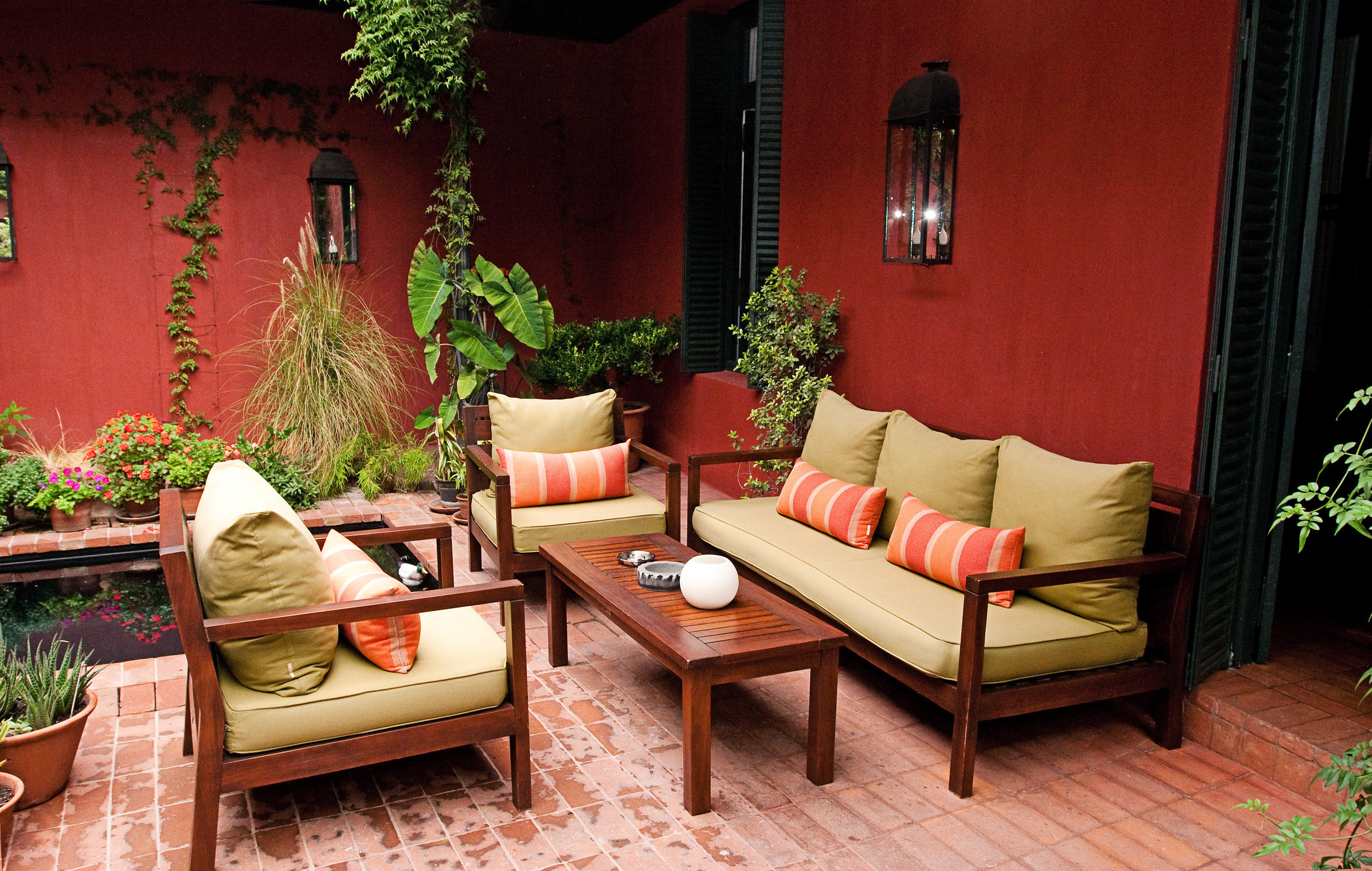 Classic Lounge Patio red living room house home Lobby backyard Suite